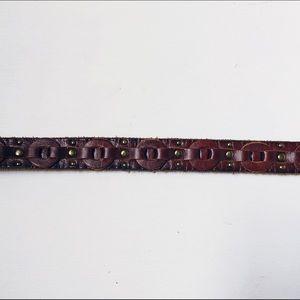 Chainlink style leather skinny belt w brass & gold